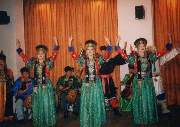 буряты в театре Малакофф. июнь 2002